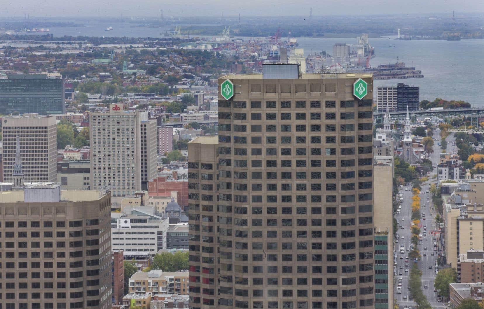 Au Québec, Desjardins devient un cas unique en occupant une position dominante sur le marché des PME de 42,6 %.