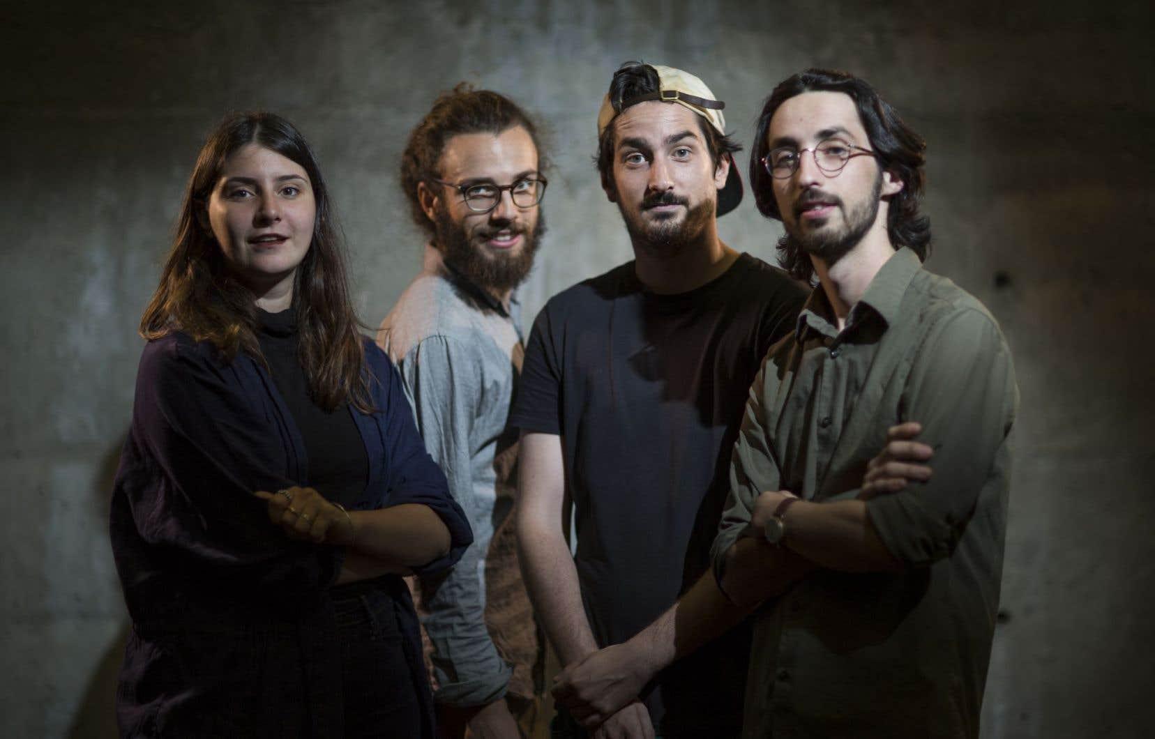 Olivia Sofia, Guillaume Rémus, Léo Loisel et Xavier Mary ont créé le collectif Castel Blast.