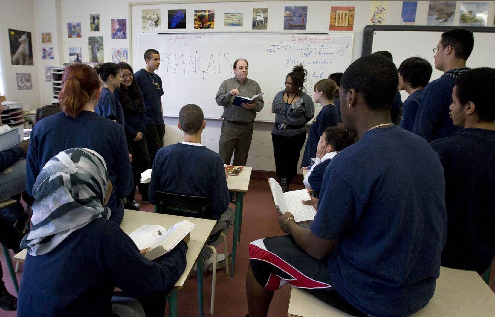 «On rappelle sans cesse qu'il faut des classes plus petites, des enseignements adaptés aux adultes, lesquels, selon leur âge et leur profil, ne sont pas tous semblables», plaide Michèle Stanton-Jean. Sur notre photo, une classe de l'école Pierre-Dupuy à Montréal.