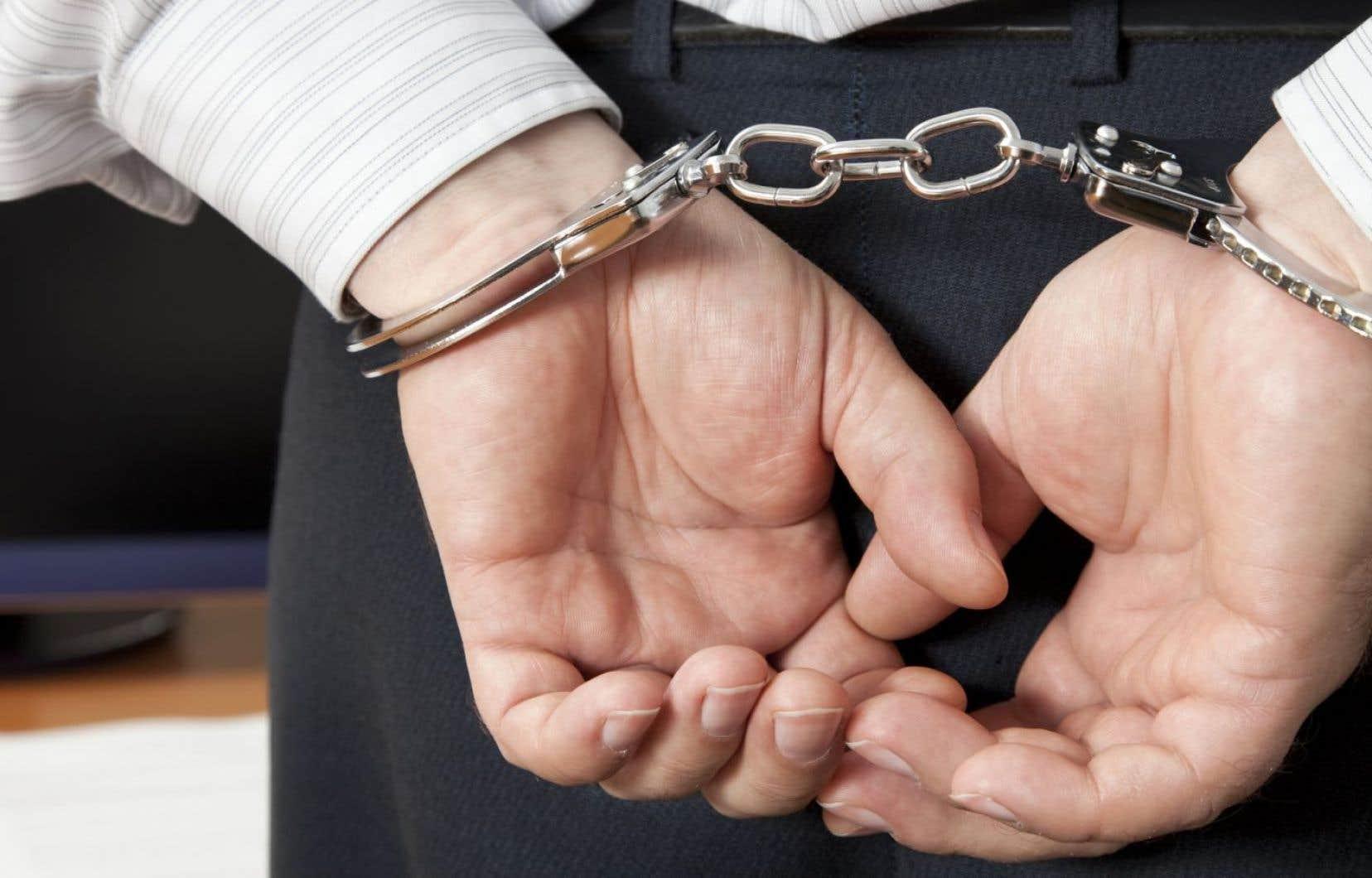 L'opération a mené à trois perquisitions, dont une dans l'entreprise Emballages Bettez, dont le suspect est le principal dirigeant.