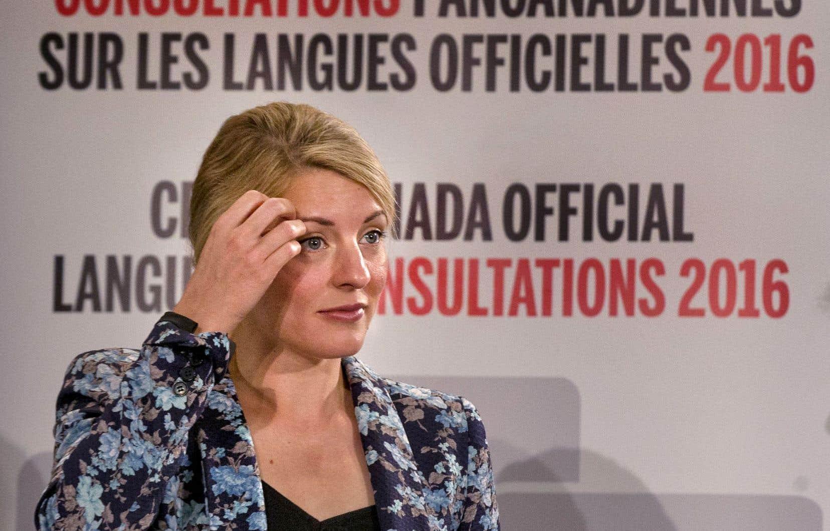 La ministre du Patrimoine canadien, Mélanie Joly, était à Montréal mardi dans le cadre des consultations pancanadiennes sur le nouveau «plan d'action» du gouvernement sur les langues officielles.