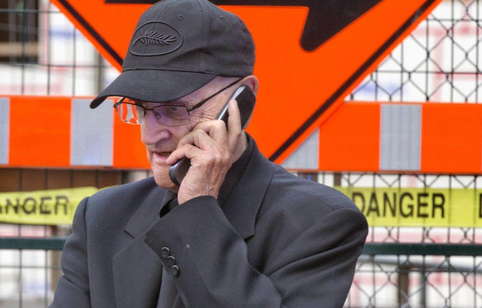 Les cinéastes accusent Serge Losique d'avoir été « têtu et négligent, allant de l'avant [avec le FFM] pour satisfaire [ses] désillusions et sans remplir les exigences du festival ».