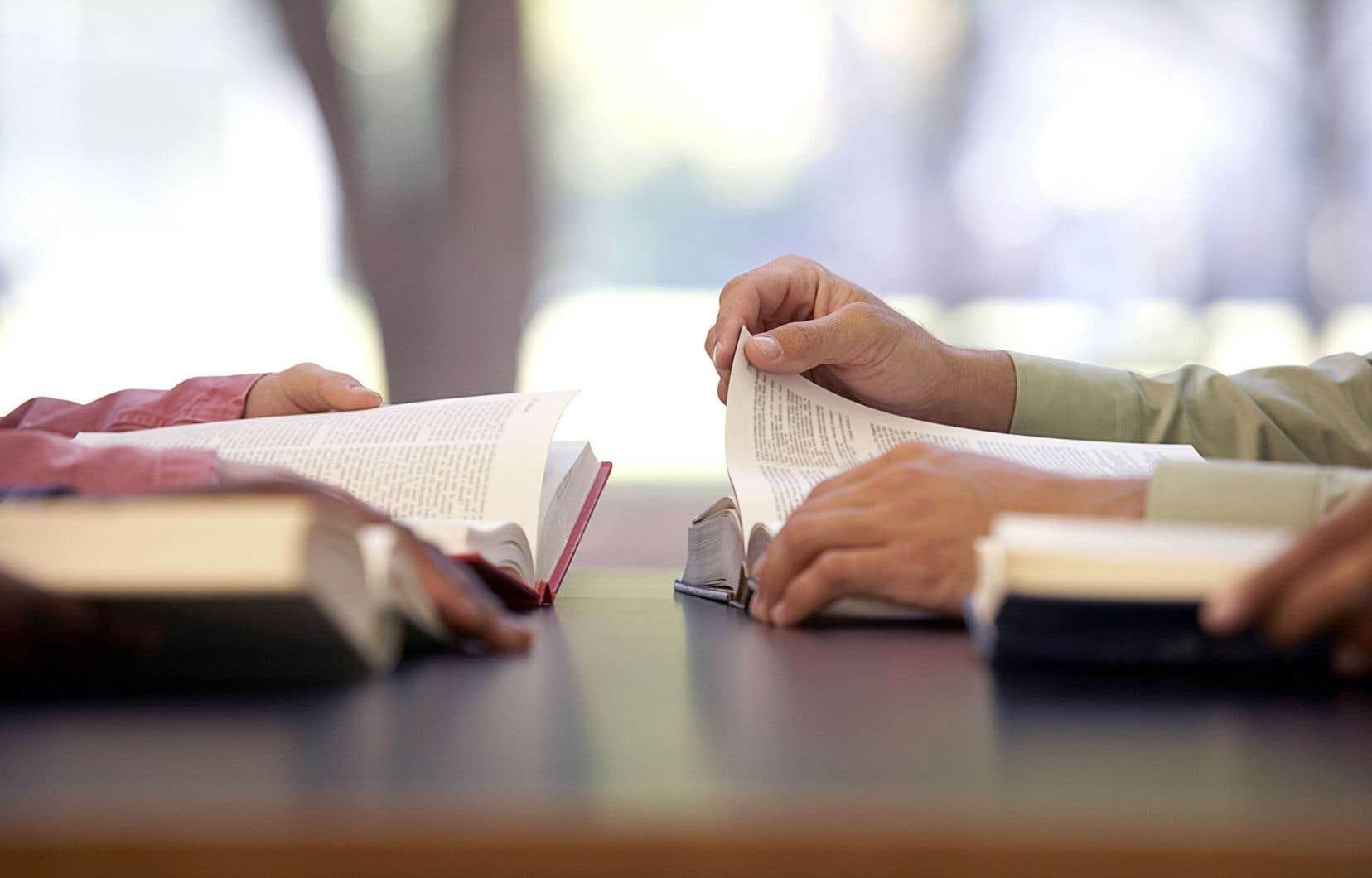 «Depuis des années, on réclame au ministère de l'Éducation des augmentations pour le financement de base», souligne Caroline Meunier, responsable du développement des analyses et des stratégies au Regroupement des groupes populaires en alphabétisation du Québec.