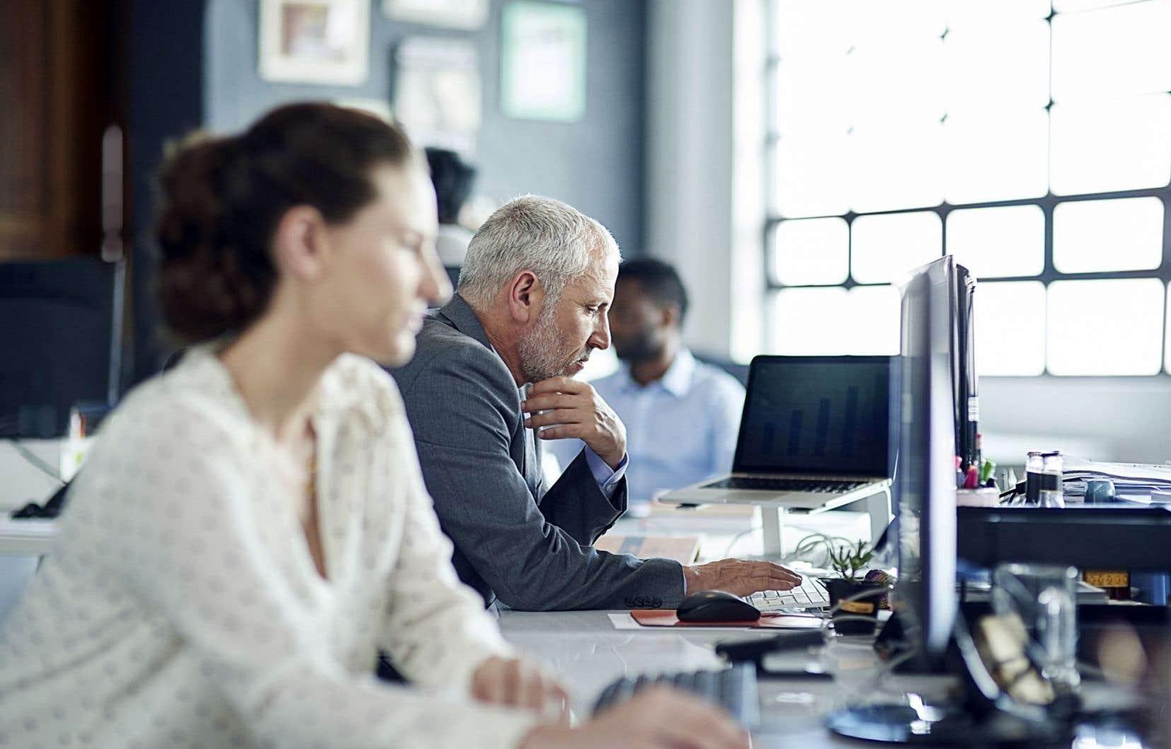 Les gens qui sont privés de connaissances de base éprouvent des problèmes accrus dans leur travail et dans l'exercice de leur quotidien.