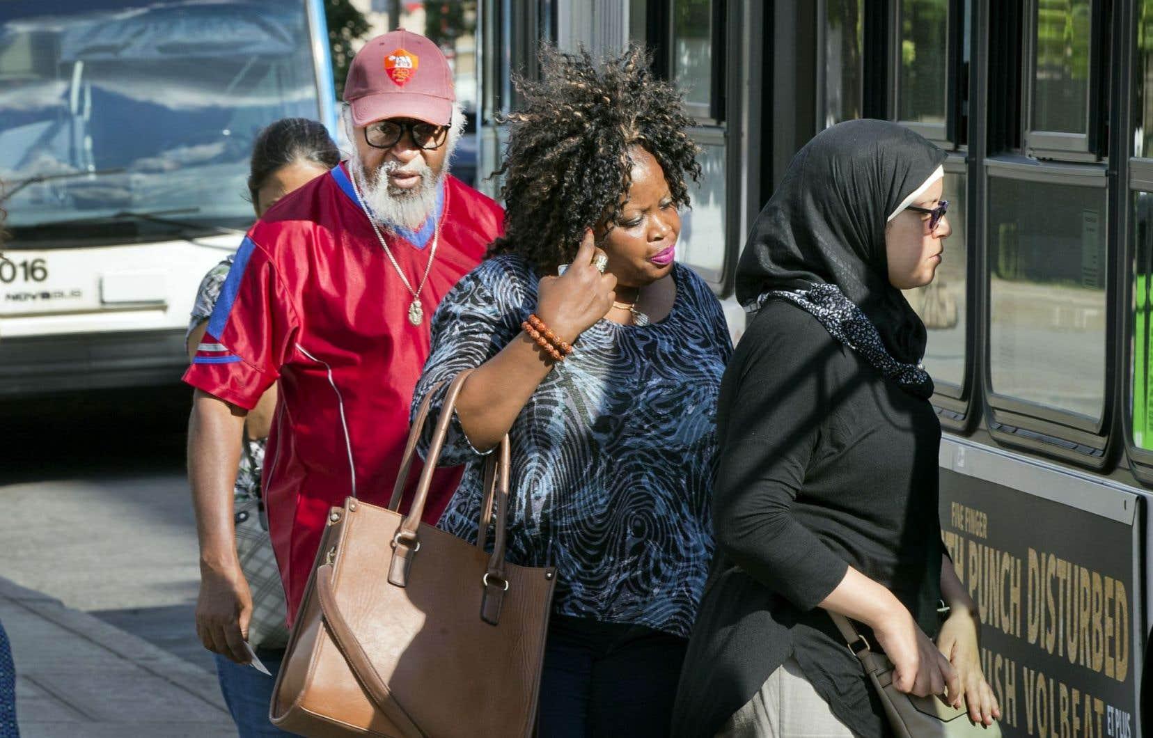 Quelque 200000 immigrants ne parlent pas français au Québec, selon Statistique Canada.
