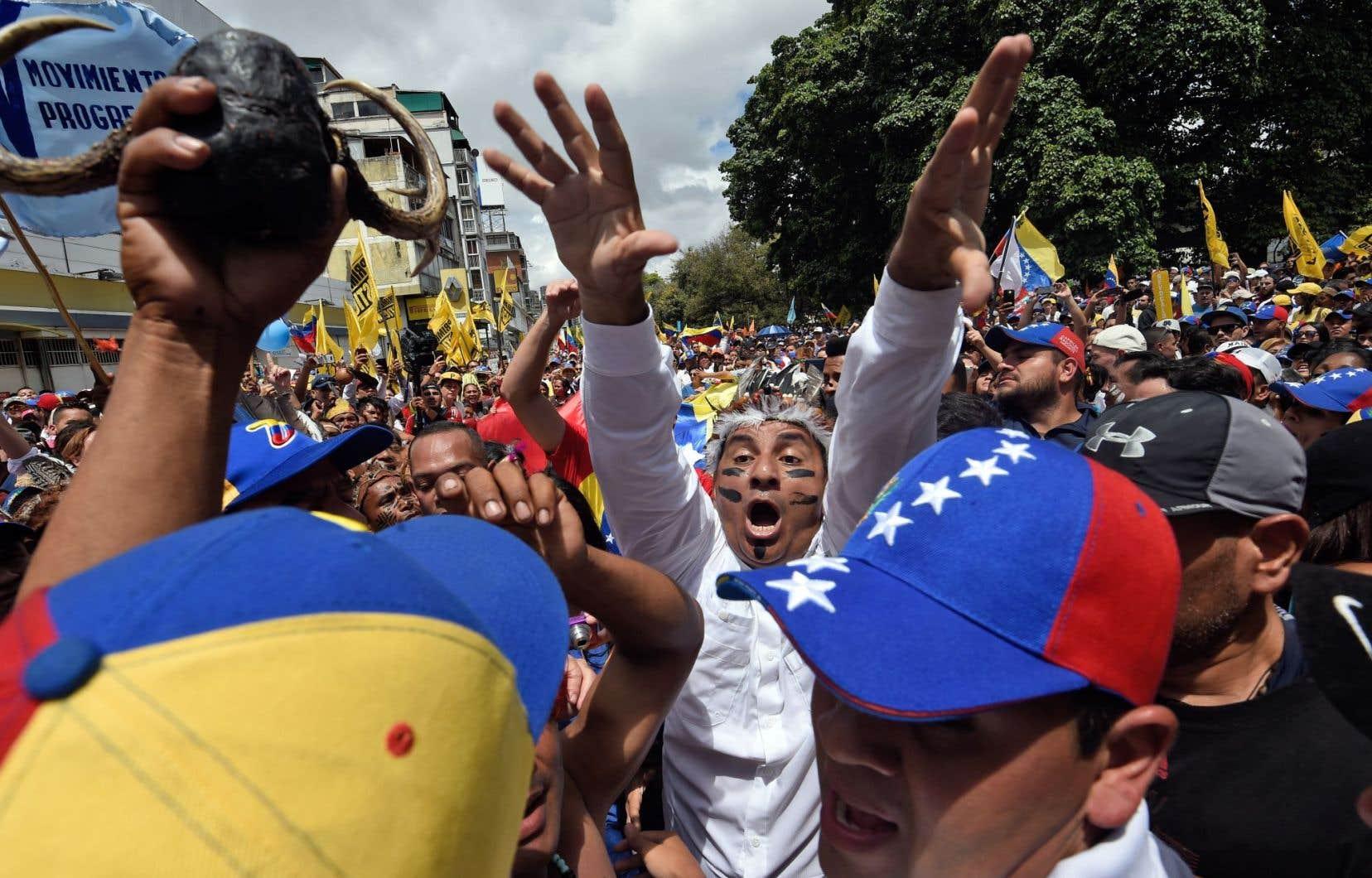 Plusieurs centaines de milliers de personnes ont manifesté jeudi à Caracas.