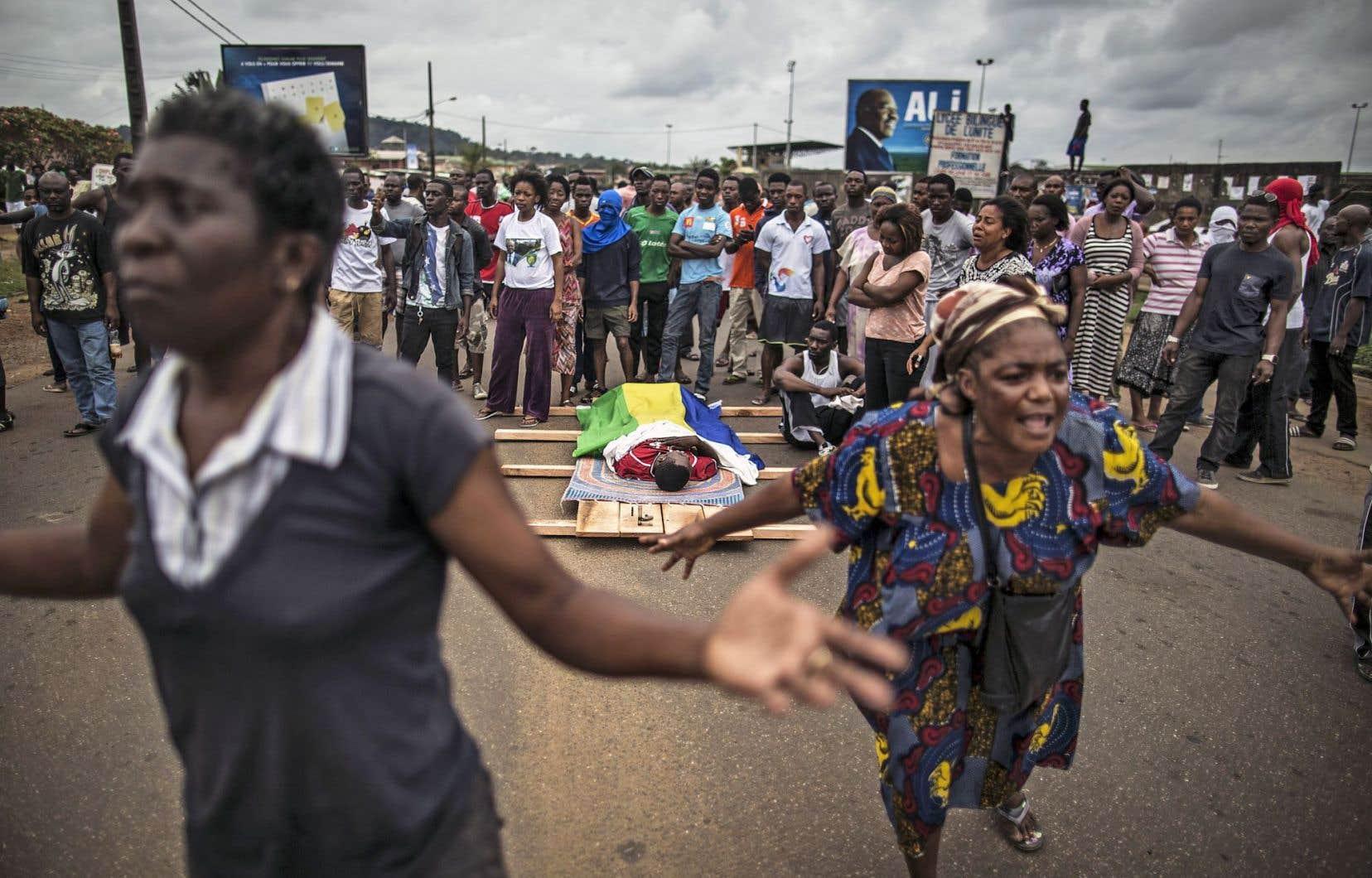 Les violences au Gabon ont fait cinq morts depuis mercredi.