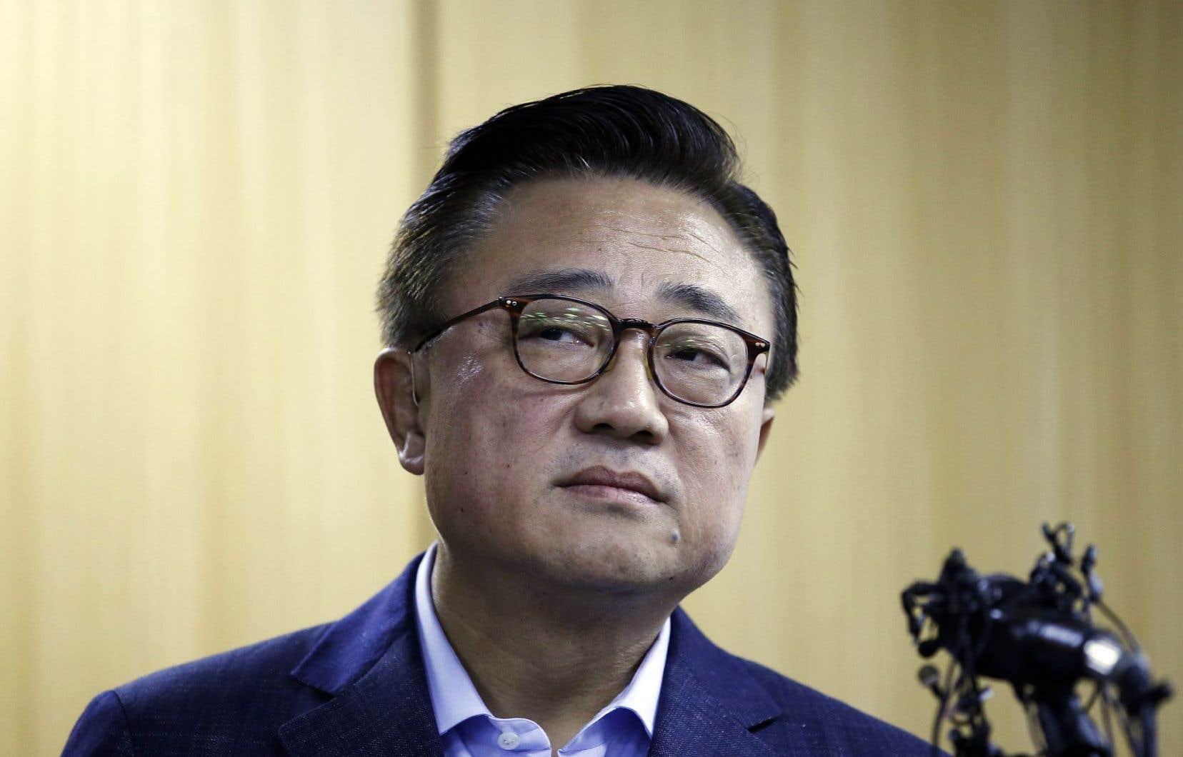 «Nous avons reçu plusieurs signalements d'explosion de la batterie du Note 7, qui a officiellement été lancé le 19août», a déclaré aux journalistes le chef de l'activité mobile de Samsung, Koh Dong-Jin.