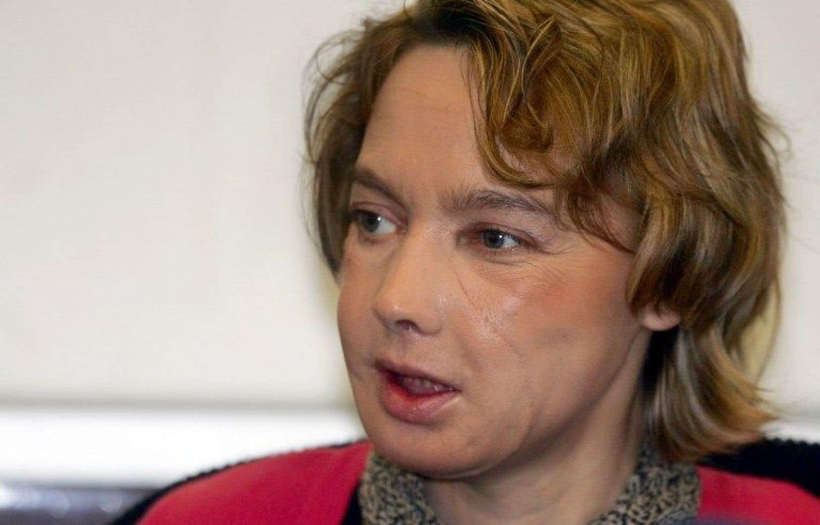 La Française Isabelle Dinoire lors d'une conférence de presse en 2006.