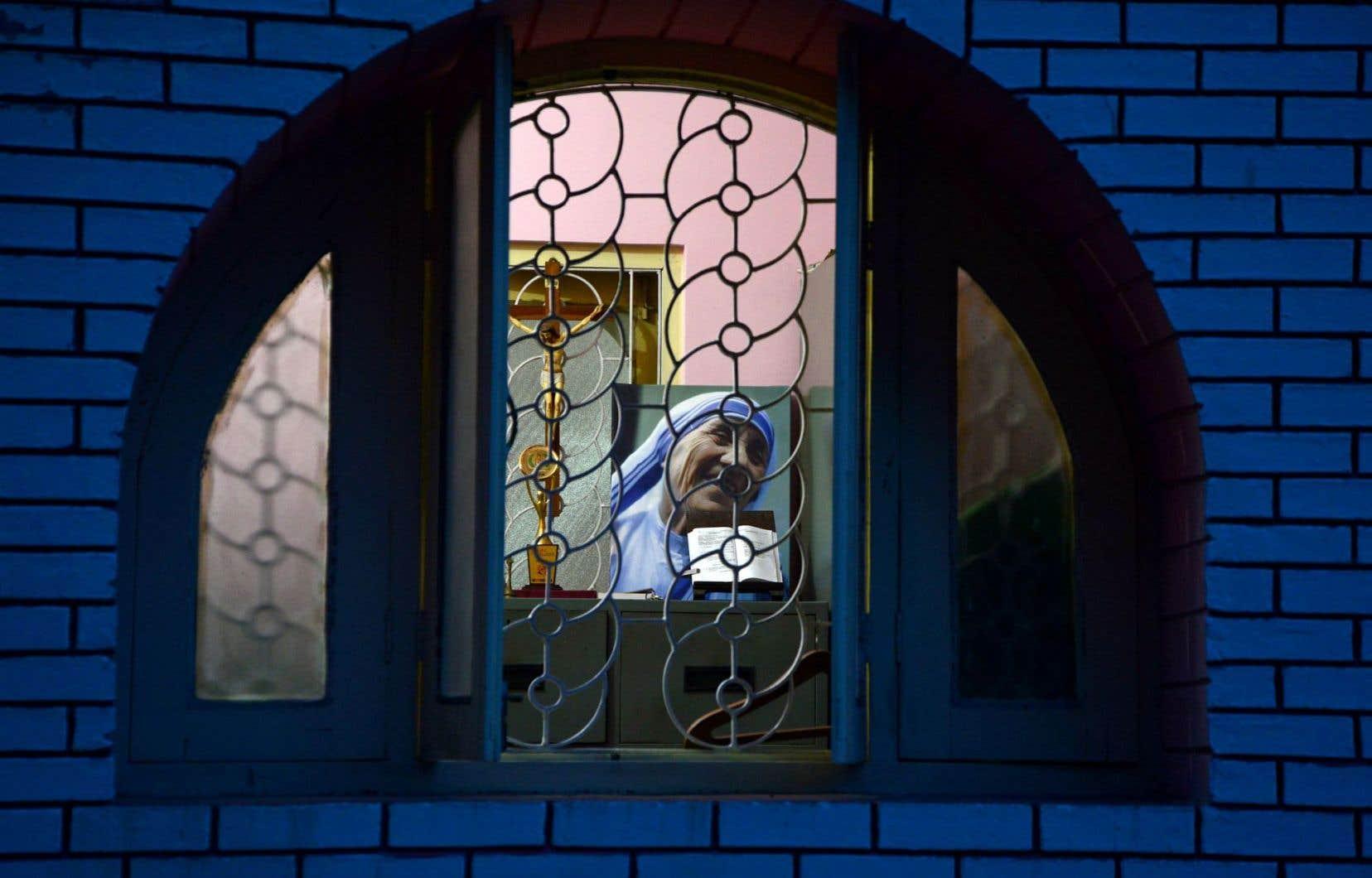 Dans de nombreuses églises indiennes comme celle de Siliguri, ici, des prières spéciales ont été prononcées à la veille de la canonisation contestée de Mère Teresa.