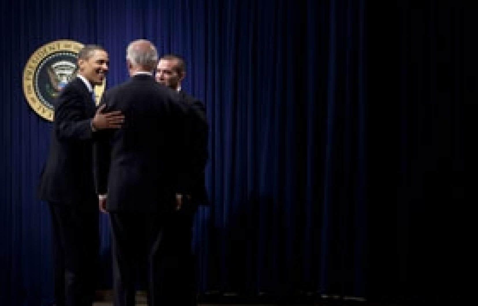 Le président Obama et son vice-président, Joe Biden, ont rencontré hier le personnel de la Maison-Blanche.