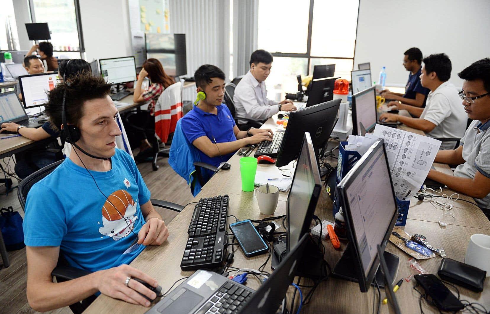 Des employés français et vietnamiens de Linkbynet en poste à Ho Chi Minh-Ville