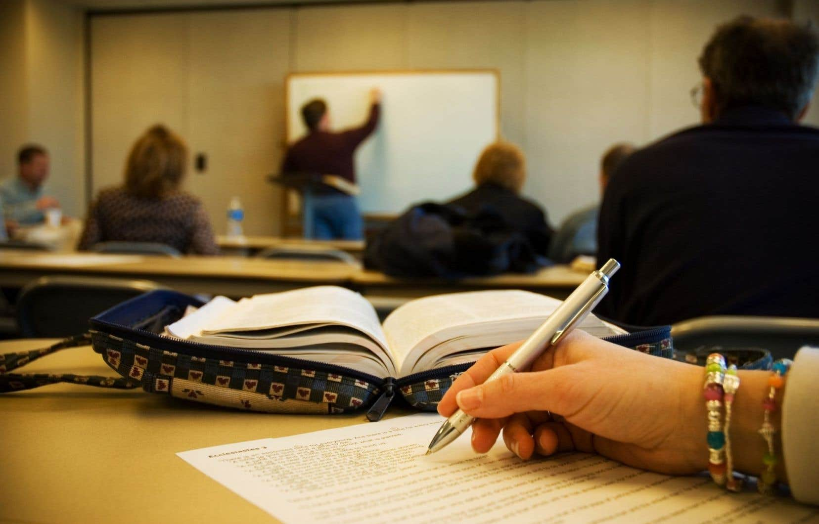 Les droits acquittés par les étudiants varient énormément d'une province à l'autre et selon le programme d'étude, révèlent les données de Statistique Canada.