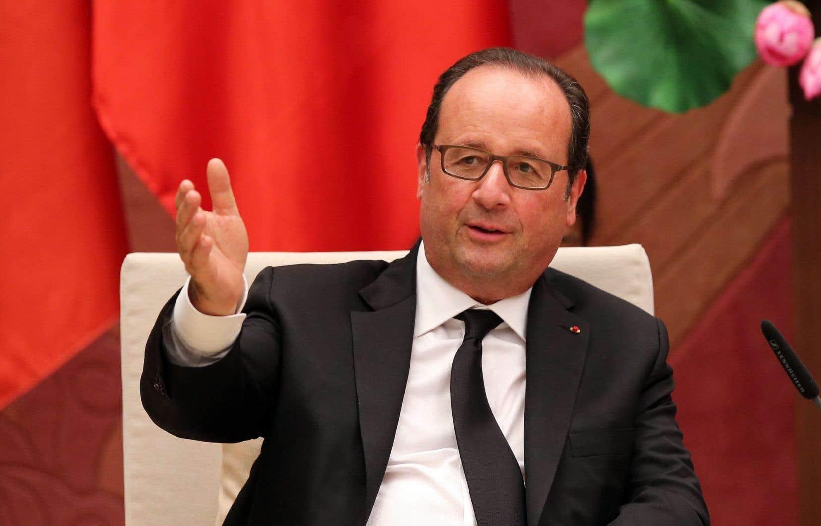 Le président français, François Hollande, serait éliminé dès le premier tour de la présidentielle de 2017, selon une enquête.