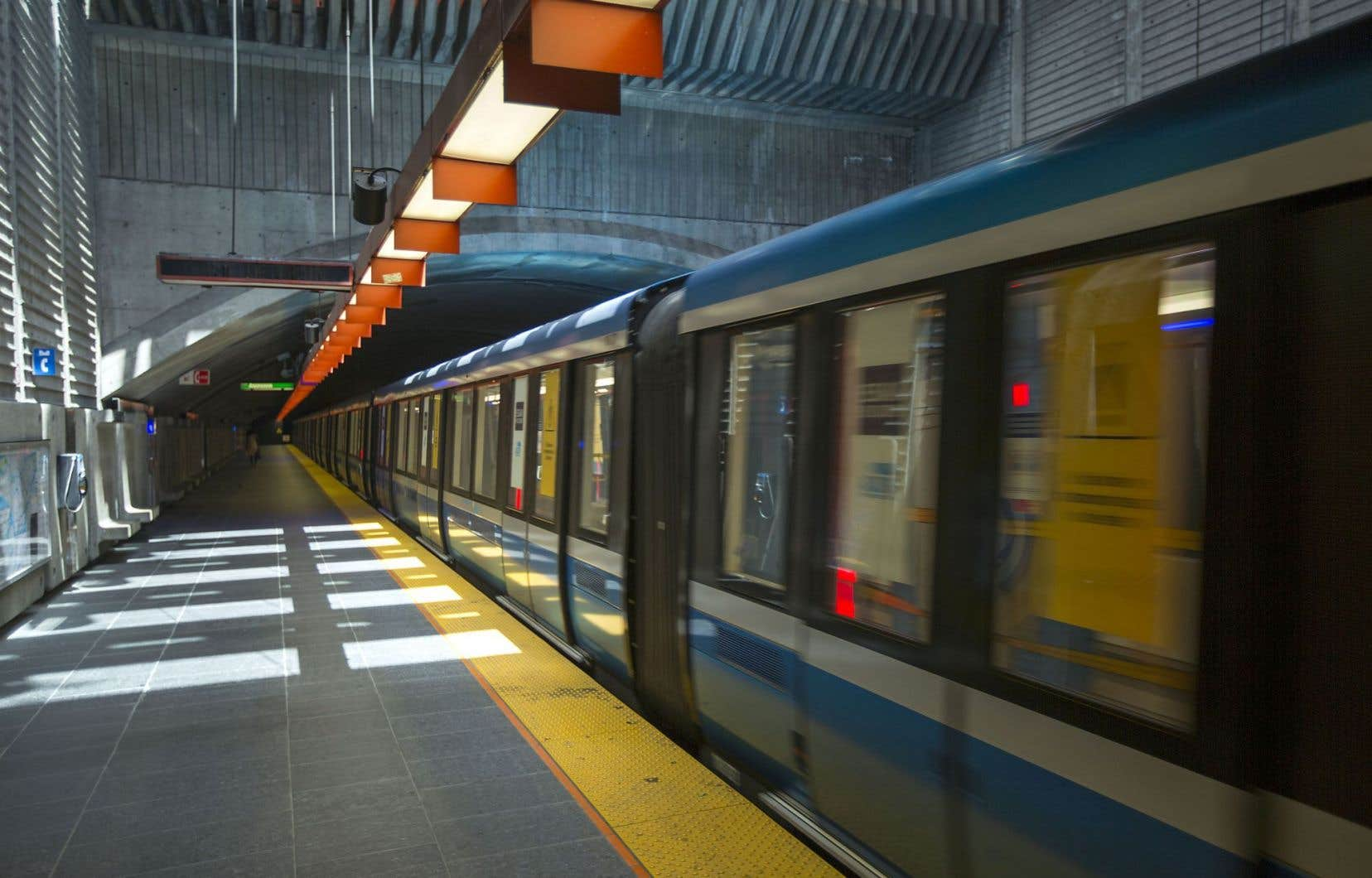 Depuis 2011, le financement des transports collectifs a stagné et dans plusieurs régions du Québec en 2015, des baisses d'achalandage ont été observées.