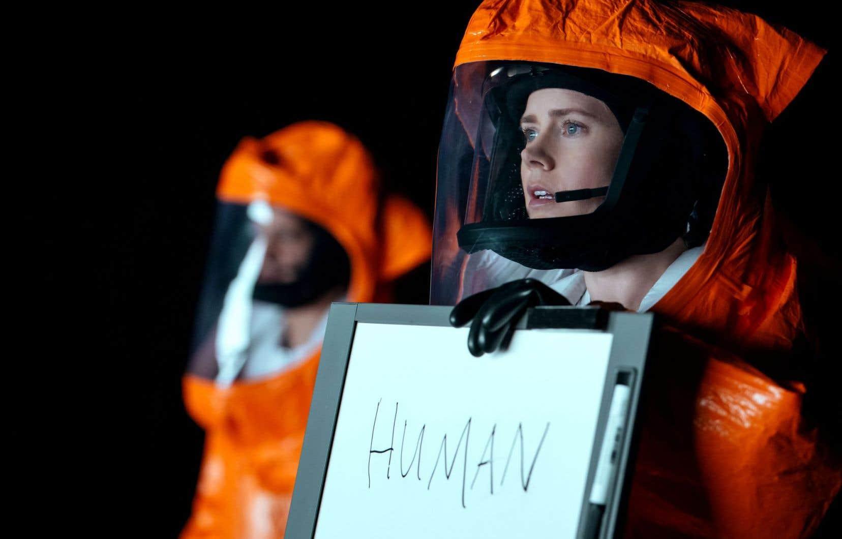 Le personnage de linguiste joué par Amy Adams apprend à décoder le langage des extraterrestres.