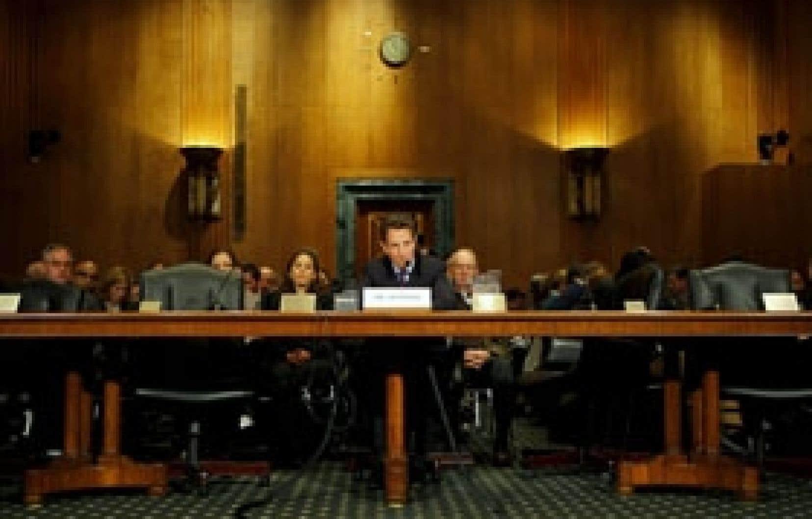 Timothy Geithner témoignait hier devant la commission des finances du Sénat américain. Le futur secrétaire au Trésor a notamment présenté ses excuses por n'avoir pas payé une partie de ses impôts il y a quelques années. La situation, a-t-il e