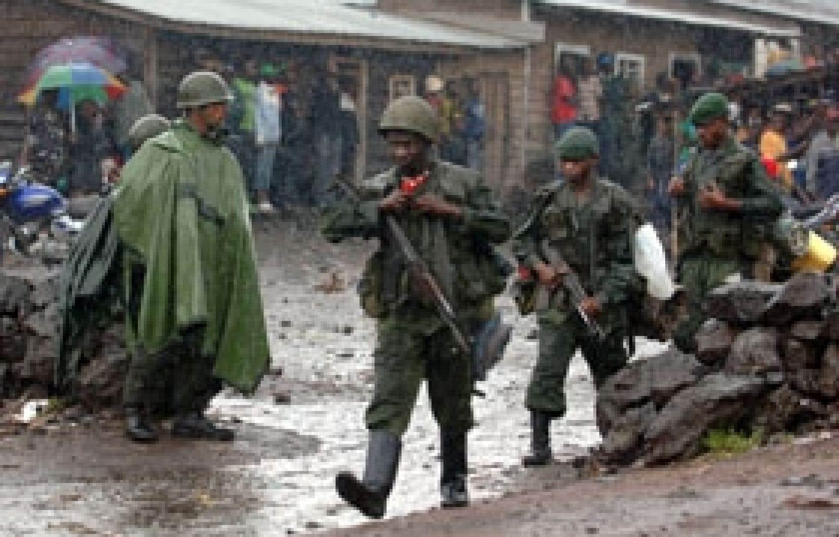 Depuis quelques jours, les soldats congolais franchissent le point de passage près de Goma.