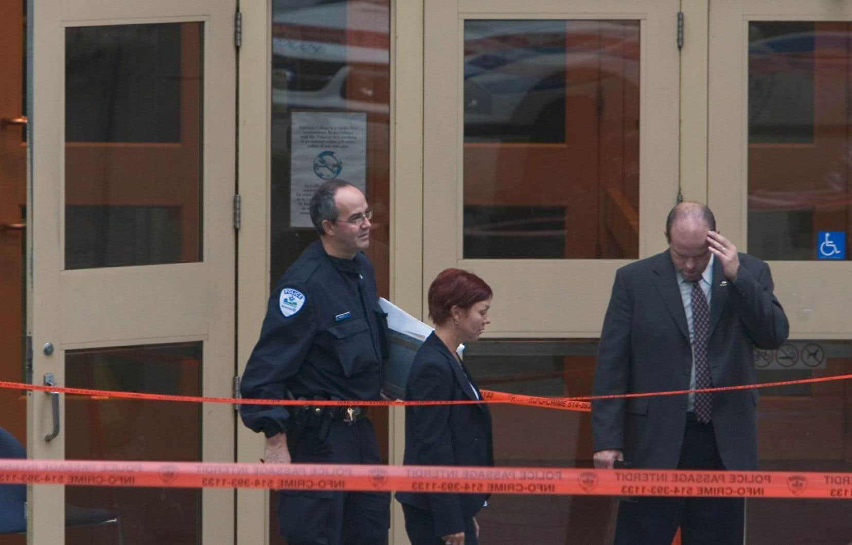 Kimveer Gill a abattu une jeune femme de 18ans, Anastasia De Sousa, et blessé 16 personnes au Collège Dawson le 13septembre 2006.