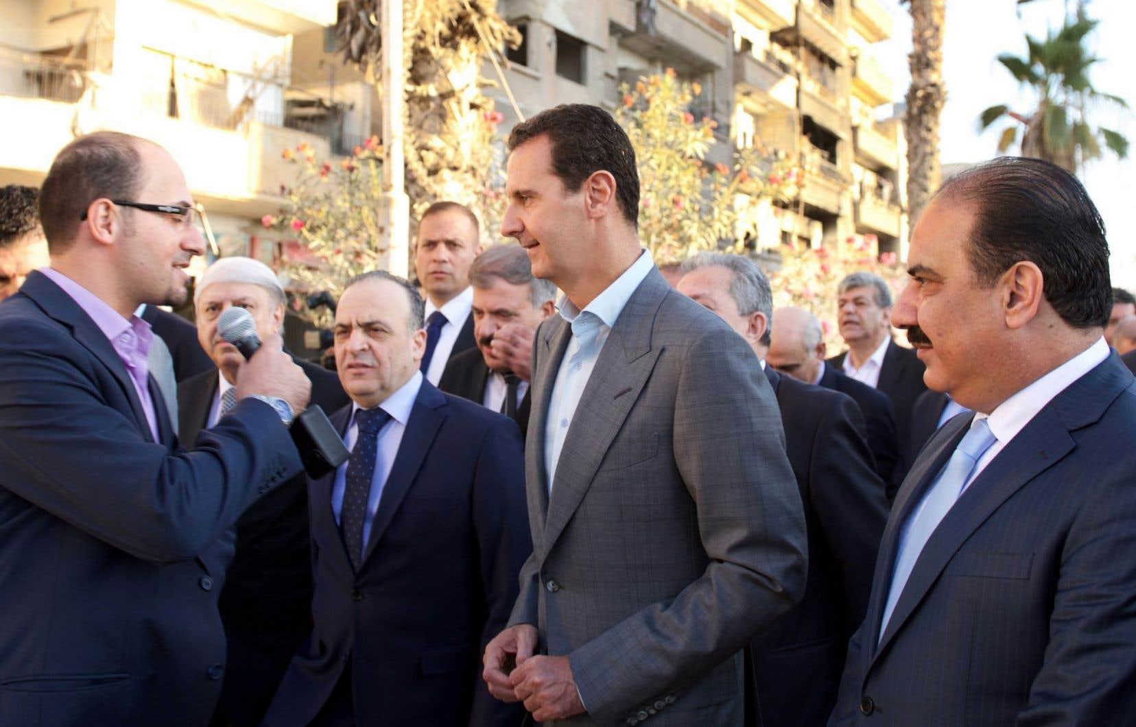 Leprésident syrien Bachar al-Assad a aussi douché les espoirs d'un arrêt rapide des combats en déclarant lundi vouloir «reprendre» tout le territoire qui échappe au contrôle du régime.