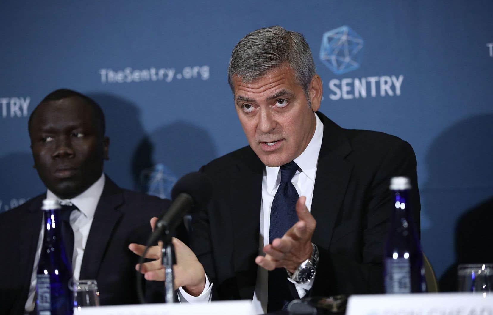 Les belligérants de la guerre civile qui ravage depuis trois ans le Soudan du Sud se sont enrichis en profitant du chaos du conflit, a dénoncé lundi la star de Hollywood George Clooney dans un rapport d'enquête dévoilé à Washington.