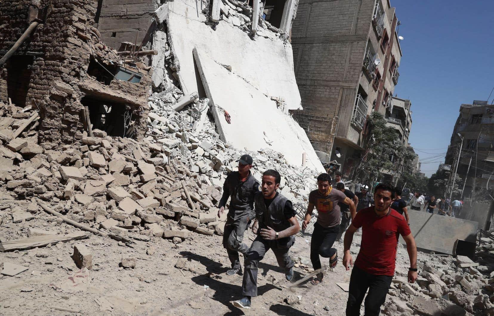 Le plus récent conflit syrien a déjà fait plus de 400 000 morts.