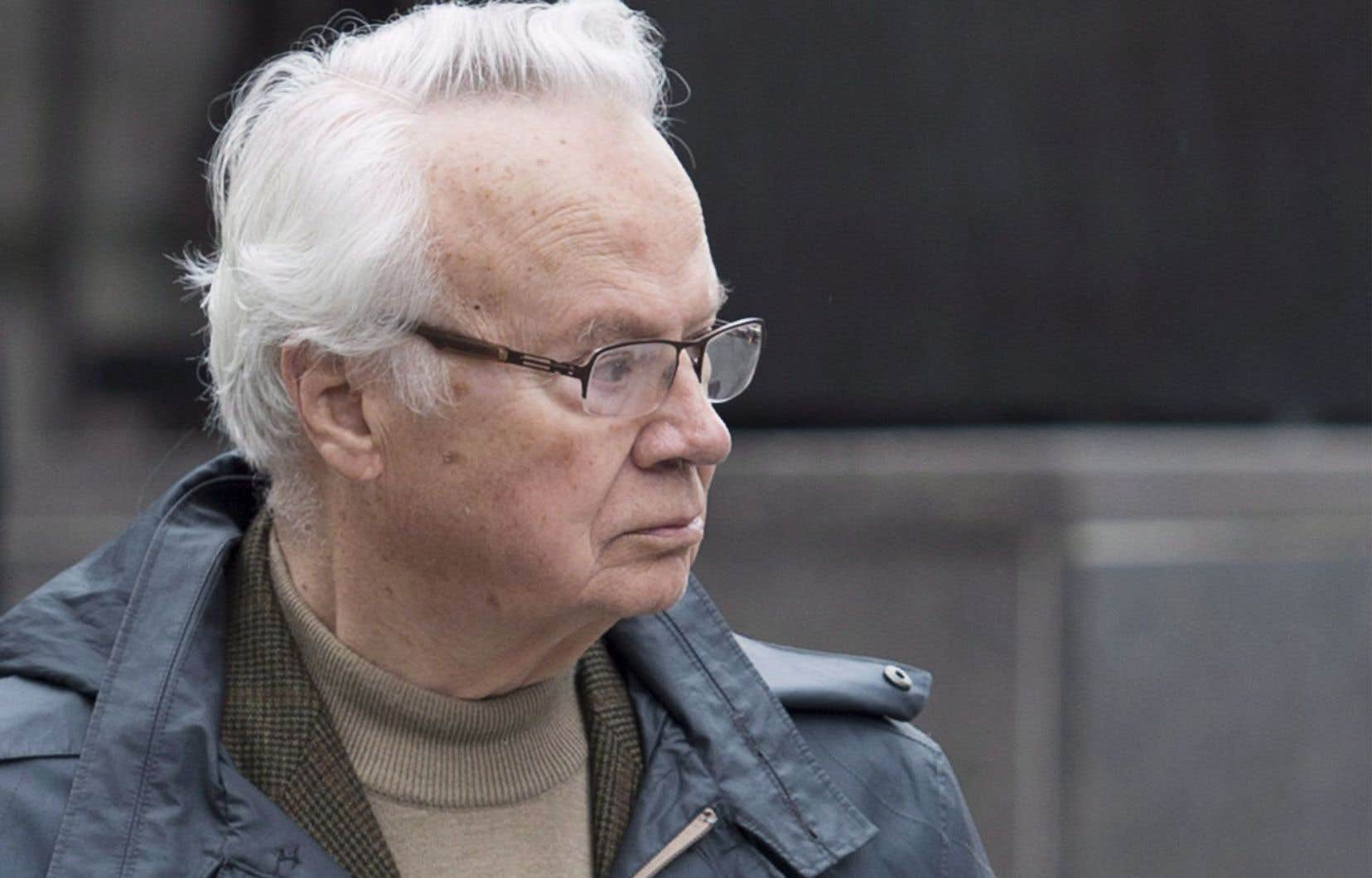 Ami intime de Jean Chrétien, Jacques Corriveau est le fondateur de PluriDesign qui exerçait une grande influence au Parti libéral du Canada section Québec.