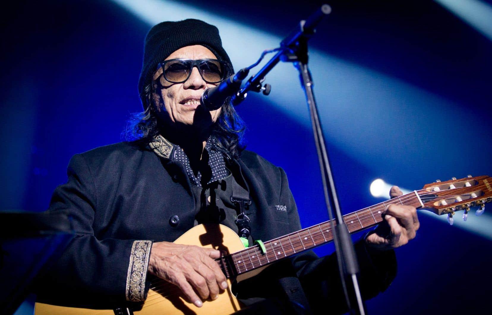 La performance de Rodriguez était généralement paisible et délicate.