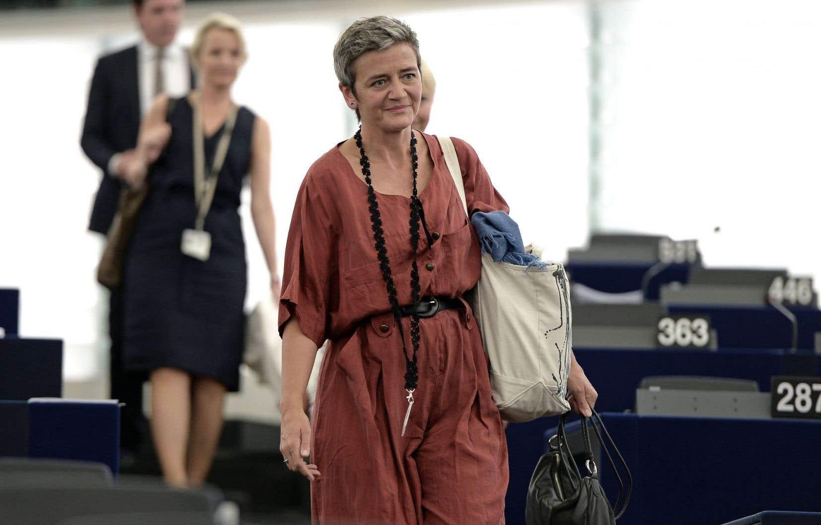 Les eurodéputés ont accueilli avec enthousiasme la commissaire à la Concurrence, Margrethe Vestager, qui s'est attaquée à Apple.