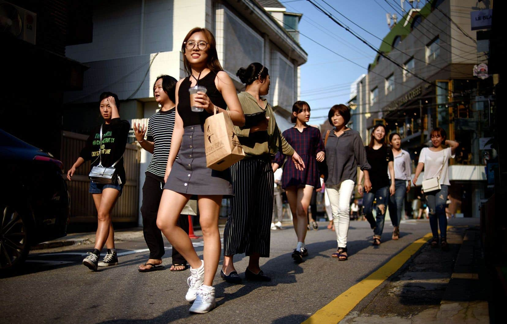 Démesuré et décadent, le quartier de Gangnam, le plus riche de la capitale sud-coréenne, est un paradis du magasinage.