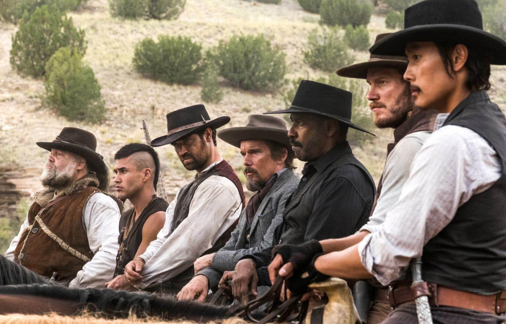 Place au film d'action et de testostérone truffé de «stars» qui livrent la marchandise, sans plus.