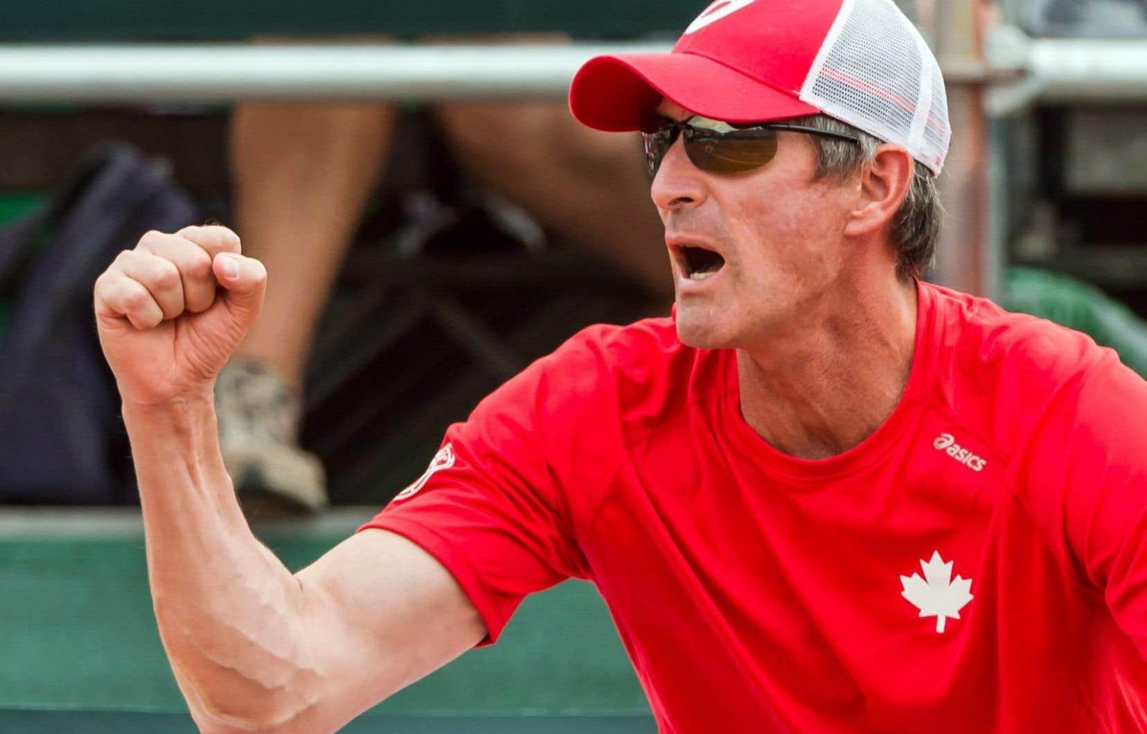 Le capitaine de l'équipe canadienne de tennis, Martin Laurendeau