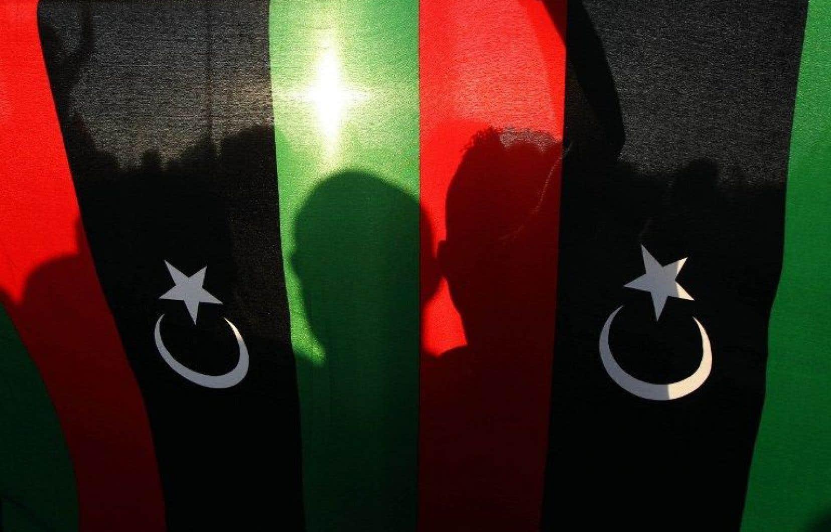Plus tôt cette semaine, un dirigeant libyen avait indiqué que les autorités enquêtaient sur l'enlèvement de trois travailleurs étrangers près de la frontière du pays avec l'Algérie.<br />