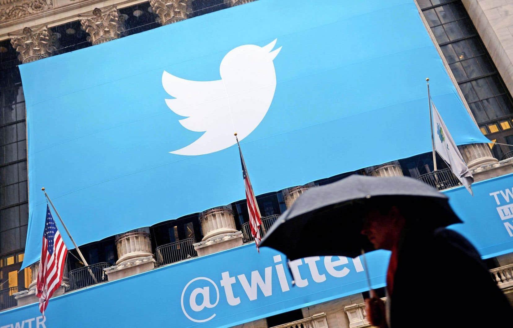 Twitter, qui a fêté ses dix ans cette année, reste déficitaire.