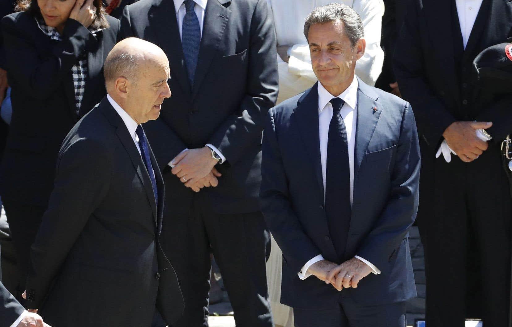 Sept candidats sont dans la course, mais deux jouissent d'une longueur d'avance quasi insurmontable : Alain Juppé et Nicolas Sarkozy.
