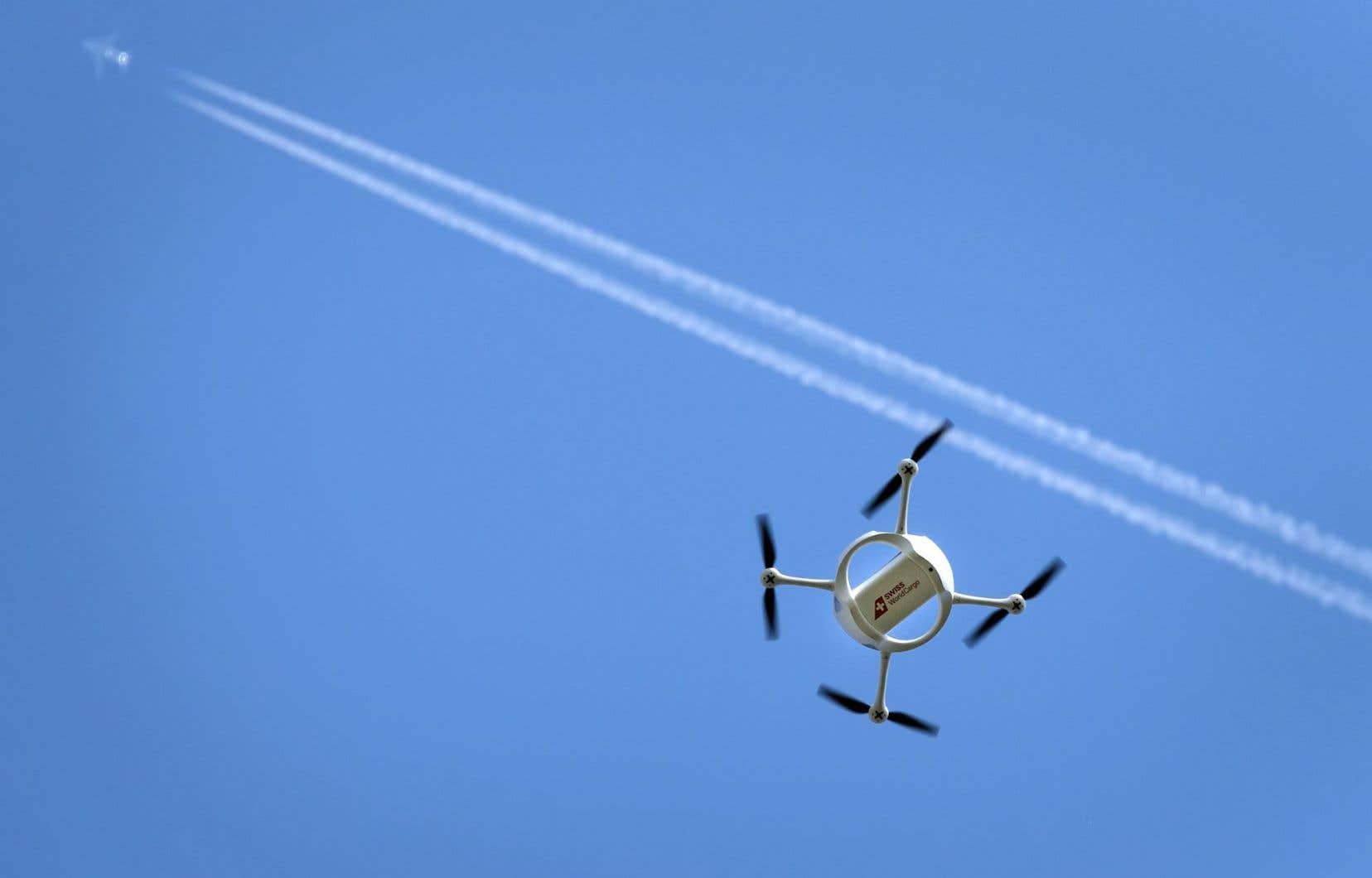 La présence des drones dans le ciel constitue un risque supplémentaire pour les pilotes d'avion.