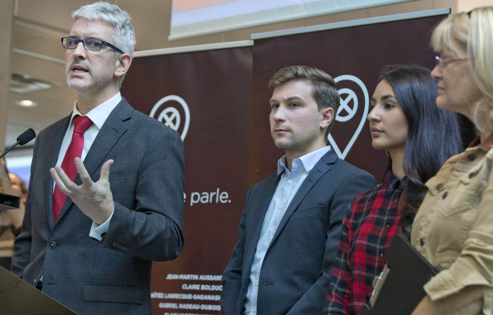 Jean-Martin Aussant, Claire Bolduc, Maïtée Labrecque-Saganash, Gabriel Nadeau-Dubois et Alain Vadeboncoeur ont lancé mercredi «Faut qu'on se parle».