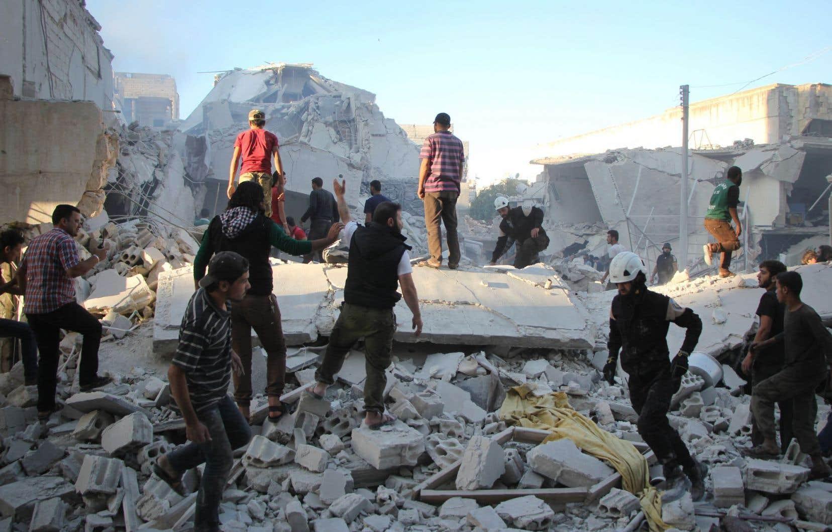 Malgré les appels de toutes parts à arrêter le déluge de feu à Alep, la Russie a poursuivi ses raids en appui à son allié syrien.