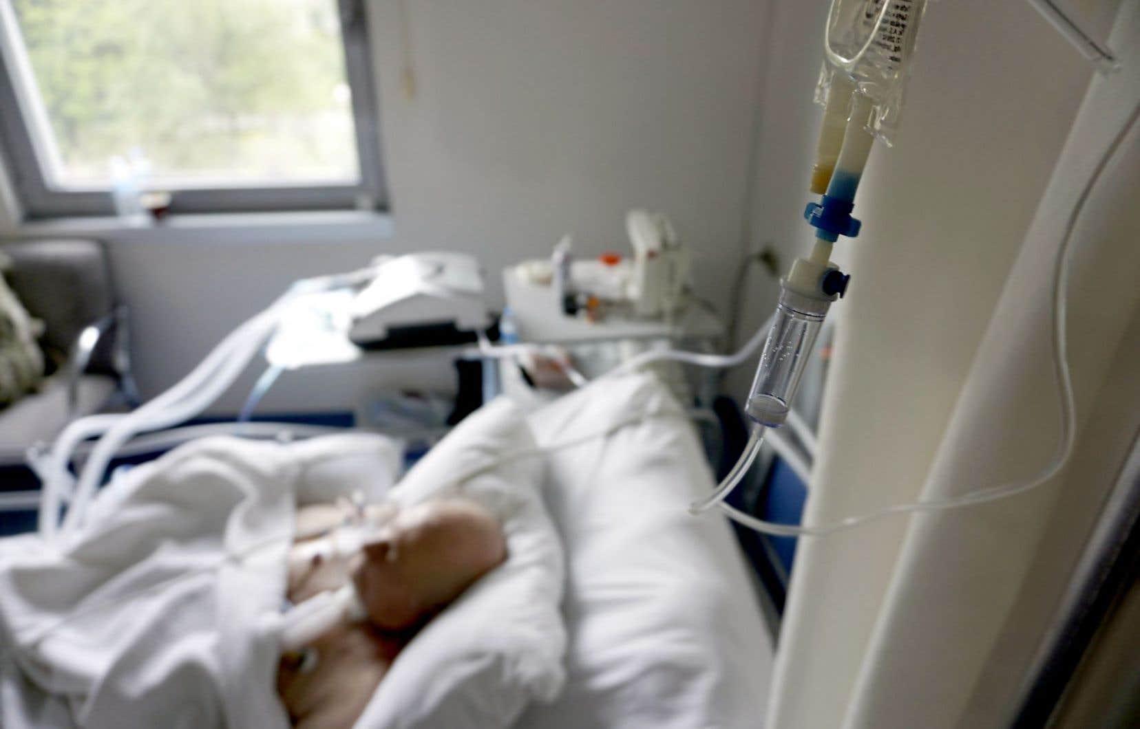 Plusieurs Canadiens vivant dans des régions desservies par des hôpitaux catholiques, mais financés par des fonds publics, pourraient se voir nier l'accès à l'aide à mourir.
