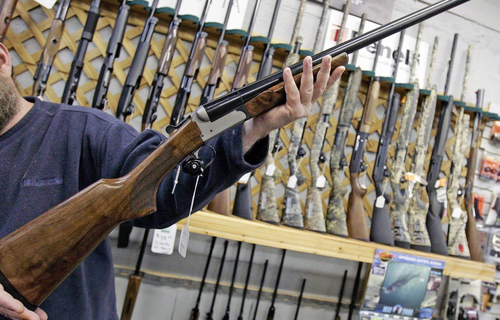 La Loi fédérale sur les armes à feu stipule que le contrôleur peut révoquer le permis de possession d'arme d'un citoyen «pour toute raison valable».