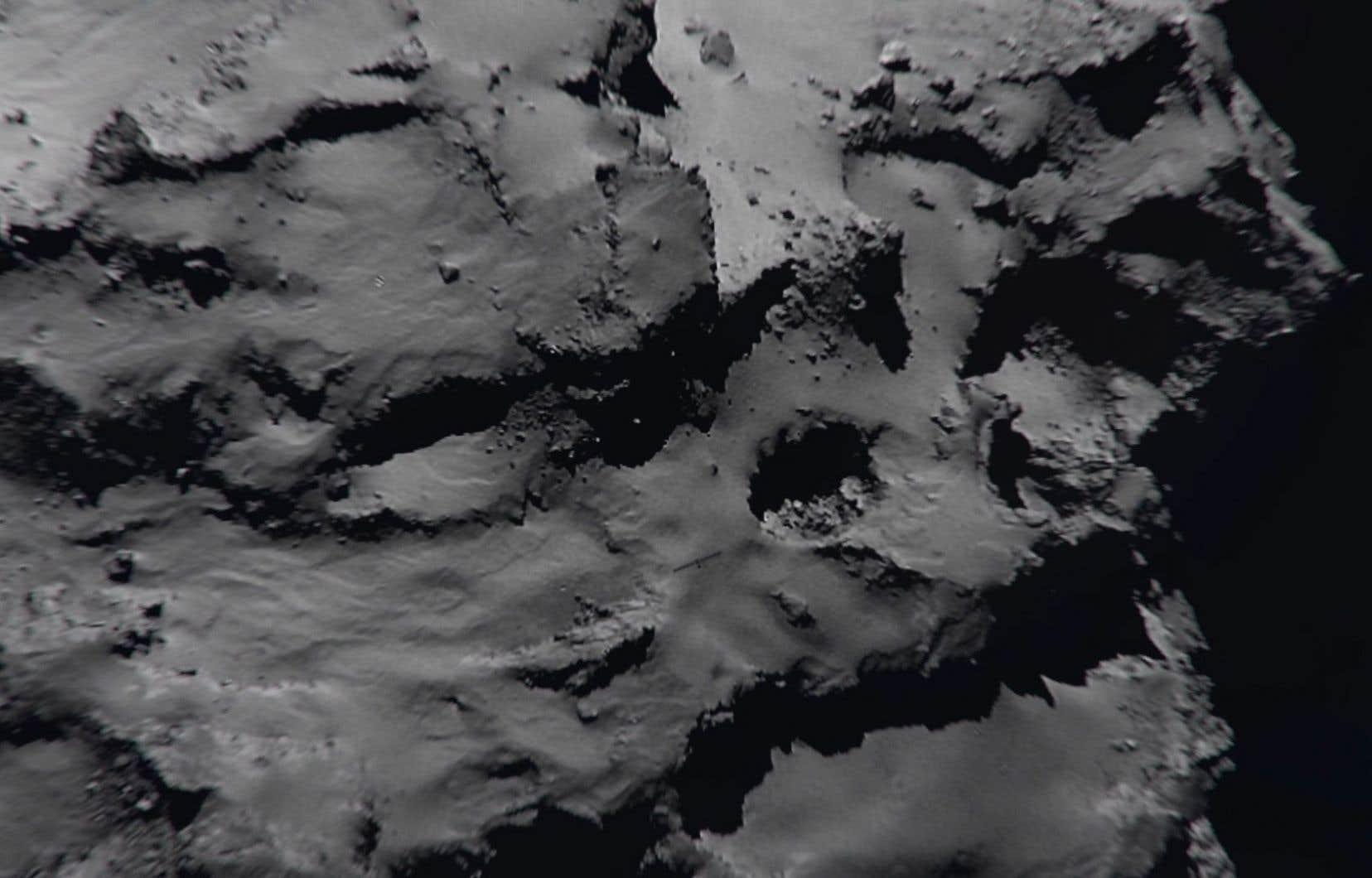 <p>Lancée en mars2004, Rosetta, qui a parcouru 7,9milliards de kilomètres, escortait depuis août2014 la comète Tchourioumov-Guérassimenko, sur laquelle elle s'est écrasée.</p>