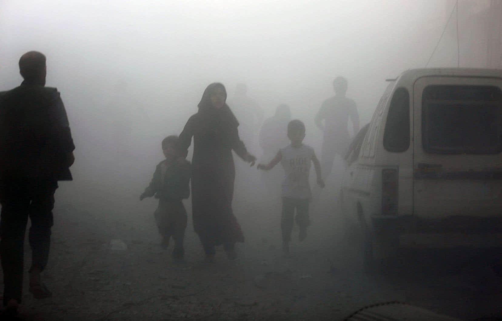 Des millions de déplacés, l'exode de dizaines de milliers de Syriens éduqués qui ne reviendront probablement pas, des infrastructures à terre, un pays vidé, divisé, épuisé, qui mettra quelle que soit l'issue des combats des décennies à se reconstruire.