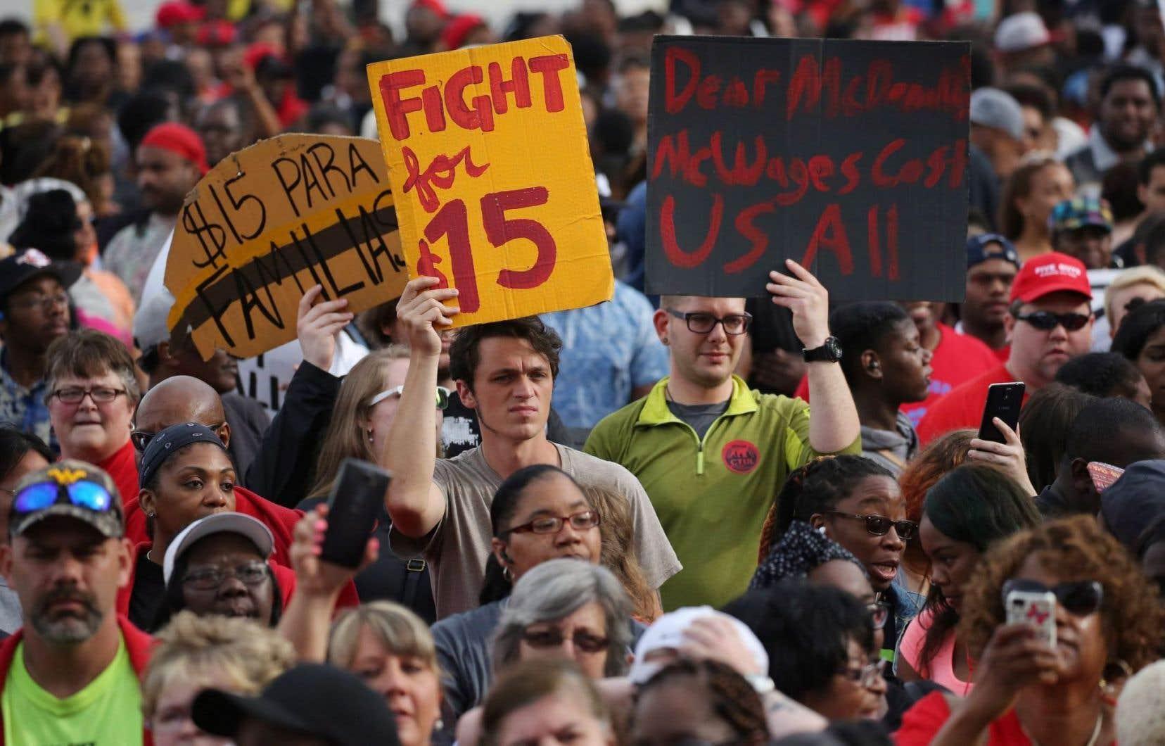 La revendication du salaire minimum à 15 $ est dans l'actualité depuis des mois.