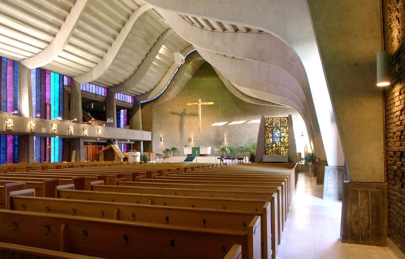 Construite en 1962 selon les plans de l'architecte Guy Desbarats, l'église Saint-Gérard-Majella a reçu la cote la plus élevée du Conseil du patrimoine religieux du Québec en raison de son architecture exceptionnelle.