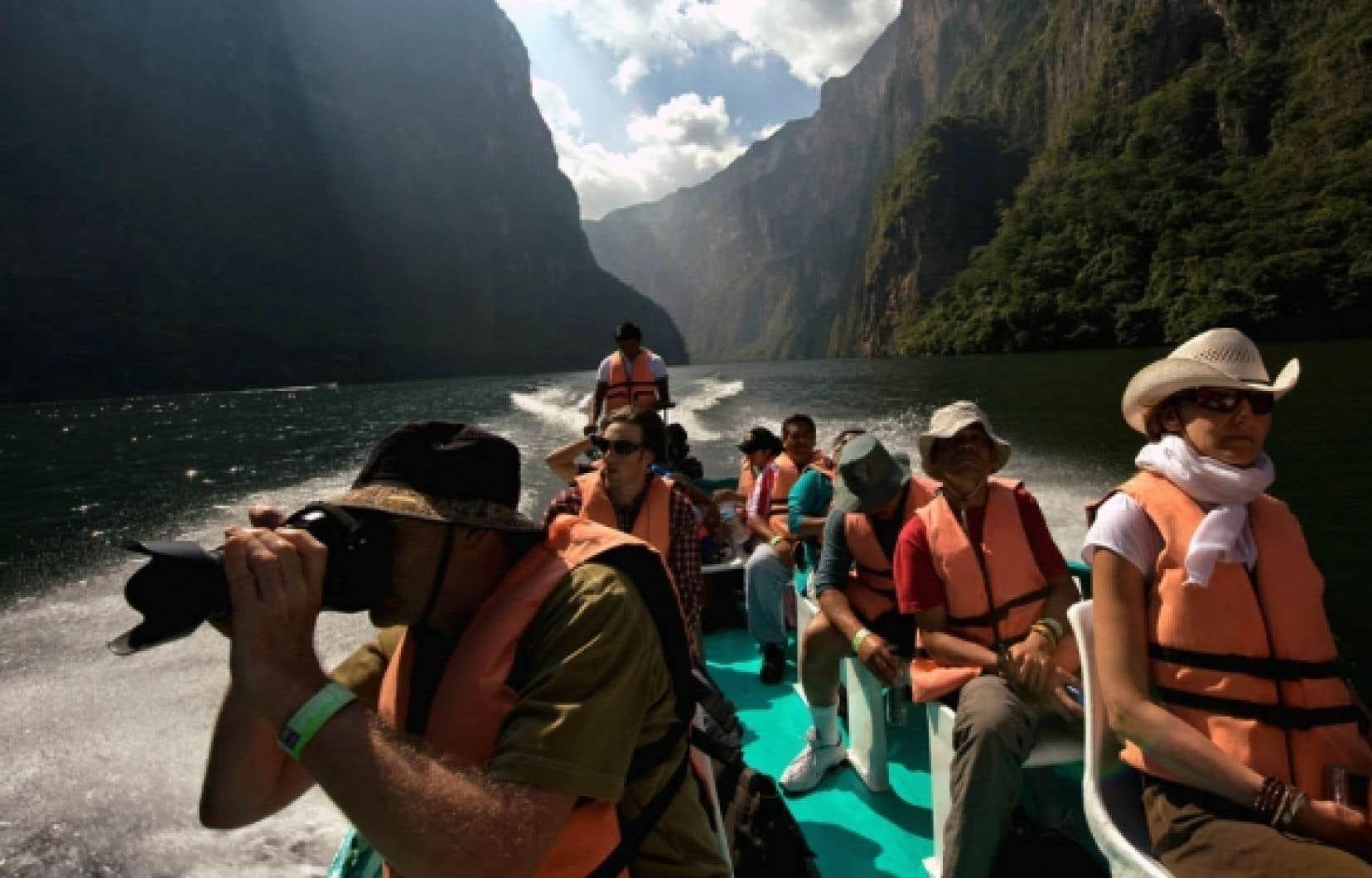 Un groupe de touristes visite le canyon du Sumidero, au Chiapas. «Même le tourisme dit d'aventure ne veut pas d'insécurité et d'improvisation», constate le sociologue français Rodolphe Christin.