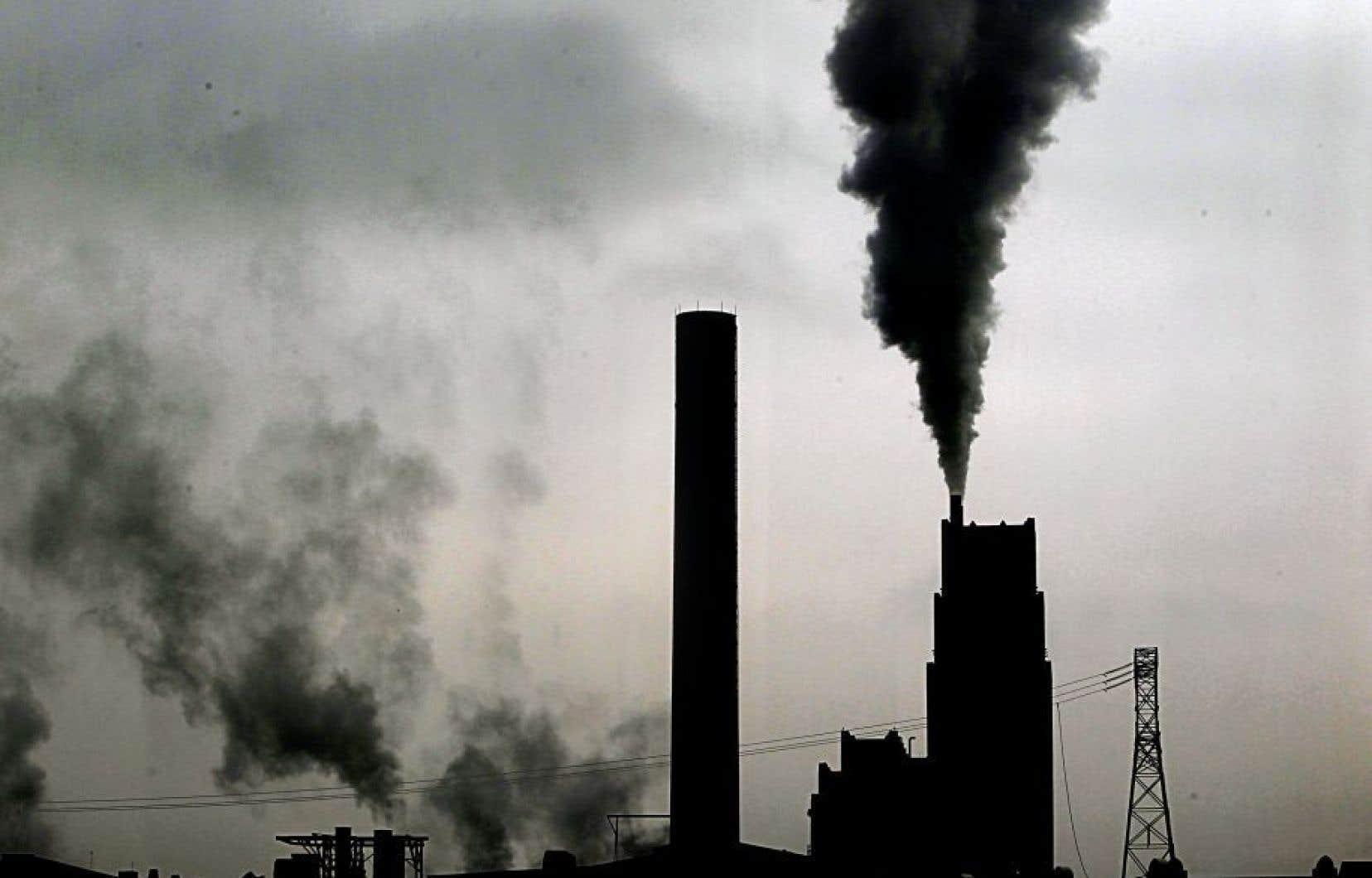 Selon Justin Trudeau, imposer un tarif sur le carbone est un moyen efficace de diminuer les émissions des gaz à effet de serre.