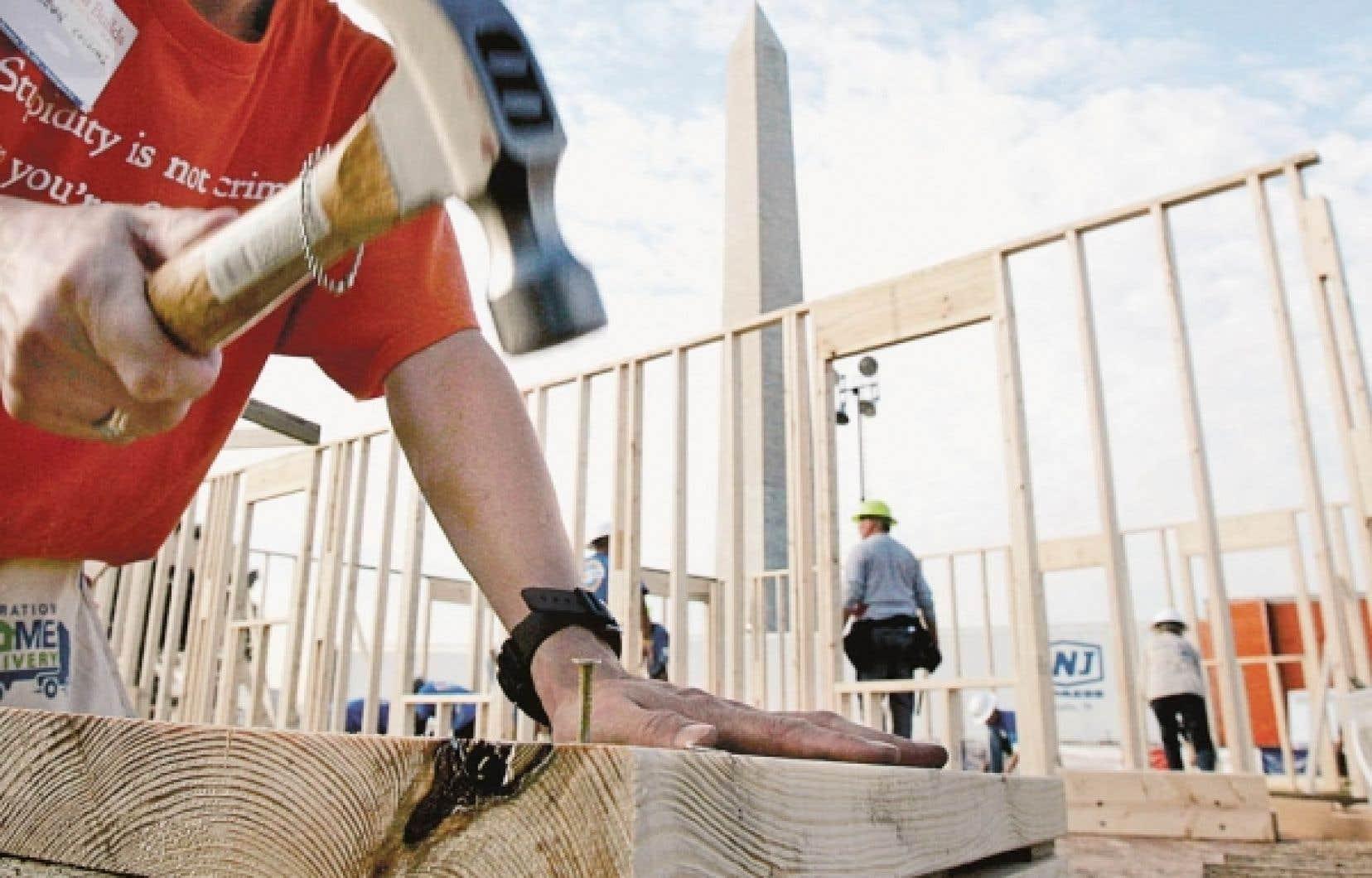 Au total, 2911 habitations ont été mises en chantier au Québec en janvier 2010 dans les centres de 10 000 habitants et plus, comparativement à 1997 habitations en janvier 2009.