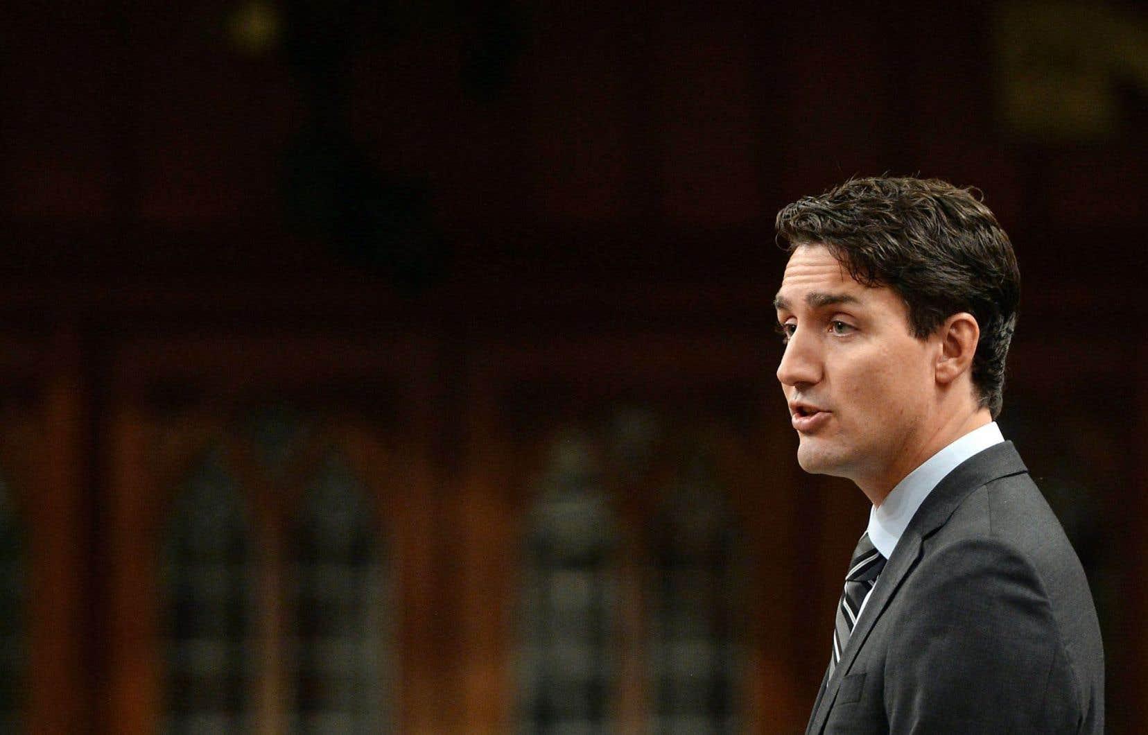 Le premier ministre Trudeau a suscité une certaine controverse cette semaine en annonçant qu'il imposerait, dès 2018, une taxe sur le carbone aux provinces qui tardent à agir.