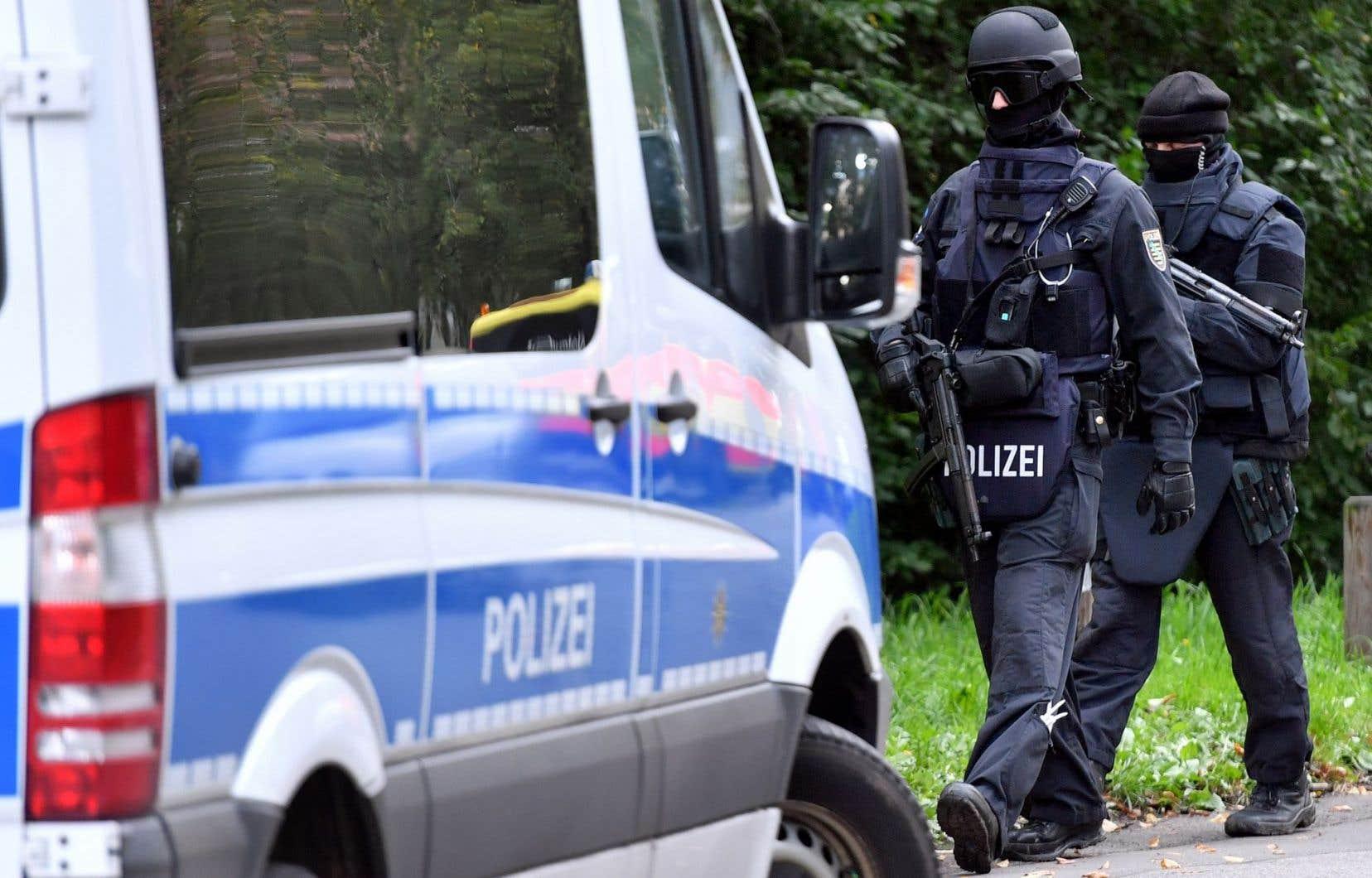 La police a interpellé le fugitif dans la nuit après une chasse à l'homme de 48 heures.