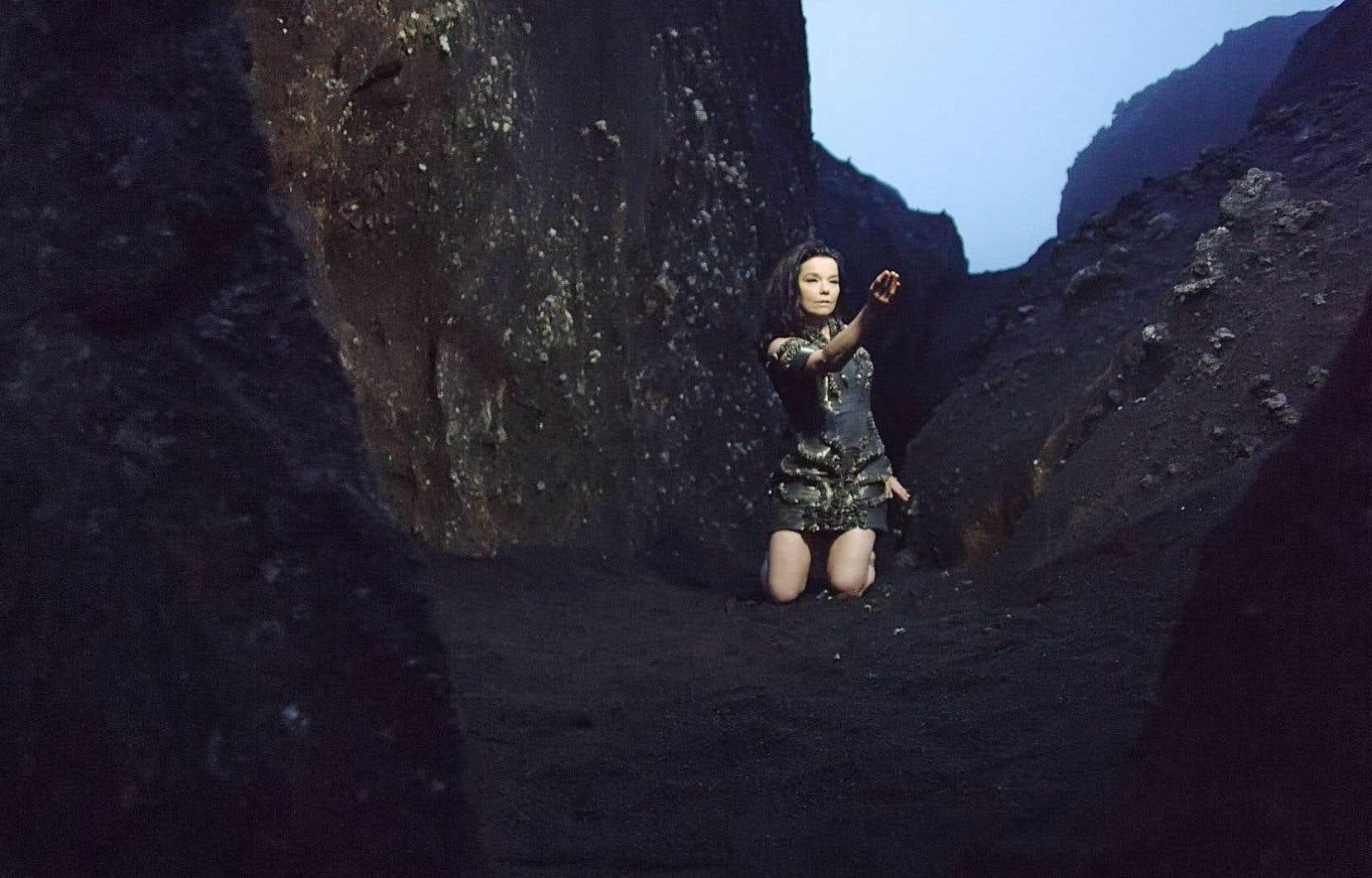 La vidéo «Black Lake», dans sa version en réalité virtuelle, peut être visionnée au sein de «Björk Digital».